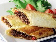 Rapeat jauheliha-tacokääryleet Salty Foods, Food Obsession, Home Food, Spanakopita, Tex Mex, Cheesesteak, Sandwiches, Recipies, Goodies