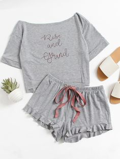 Absolute Autumn Must Have! High Low Top And Frill Hem Shorts Pajama Set online. SheIn offers High Low Top And Frill Hem Shorts Pajama Set & more to fit your fashionable needs. Pajama Outfits, Pajama Shorts, Yoga Shorts, Satin Pyjama Set, Pajama Set, Pijamas Women, Cute Sleepwear, Womens Pyjama Sets, Cute Pajamas