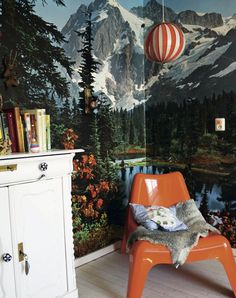 Vintage kitsch wall mural in the home of Esther Veereschild