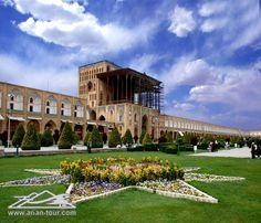 Ali Qapu Palace in Isfahan - Iran (Persian:  عمارت عالی قاپو در اصفهان)