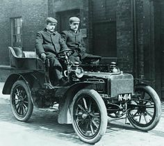 Chassis 15196 (1904) Tonneau by John Roberts of Manchester for F.H. Royce - first Royce