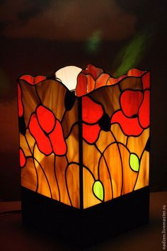Купить Светильник из цветного стекла витраж тиффани Красные маки - Витраж, стекло, светильник, лампа