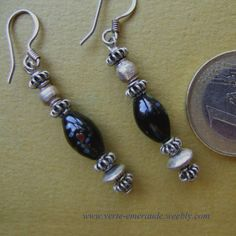 Boucles d'Oreilles Vénitiennes Perle Ancienne Earrings in Antique Trade Beads. #Ethnique