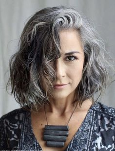 New Hair Color Trends, Latest Hair Trends, New Hair Colors, Gray Hair Highlights, Grey Hair Lowlights, Curly Hair Styles, Natural Hair Styles, Grey Hair Natural, Grey Hair Inspiration