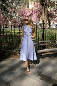 My obsession with British style continues. Jw Fashion, Only Fashion, Modest Fashion, Girl Fashion, Modest Dresses, Casual Dresses, British Style, Dress To Impress, Summer Outfits