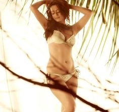 Pics of Surveen Chawla From Movie Hate Story 2 Actress