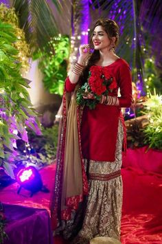 Fashion Style Discovered by Find images and videos on We Heart It - the app to get lost in what you love. Shadi Dresses, Pakistani Formal Dresses, Pakistani Wedding Outfits, Pakistani Dress Design, Bridal Outfits, Indian Dresses, Eid Outfits, Party Outfits, Indian Outfits