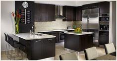 Two Tone Kitchen Cabinets, Kitchen Cabinet Remodel, Dark Cabinets, Wooden Cabinets, Kitchen Counters, Kitchen Island, Interior Design Gallery, Interior Design Kitchen, Interior Decorating
