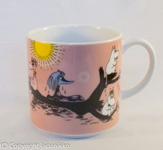 "Muumimuki ""Water mug"" -sarja (vaaleanpunainen) Yamaka, japanikko Moomin Mugs, Coffee Cups, Tea Cups, Moomin Valley, Kitchenware, Tableware, Tove Jansson, Objects, Pottery"