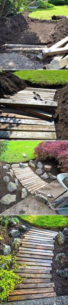 Alternative Gardning: How to build a wood walkway