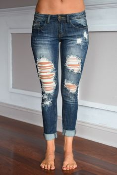 Gorgeous distressing and color! Mid/lower Rise, skinny, very comfy! **Sizing: Jeans are running a bit snug, for more room order up a size. Model is wears in jeans and is wearing a size Cute Ripped Jeans Outfit, Cute Jeans, Ripped Skinny Jeans, Denim Jeans, Torn Jeans, Cropped Jeans, Denim Shirts, Raw Denim, Jean Outfits