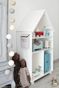 Fabulous children's room in a Scandinavian style and French. Room for girls in the attic.