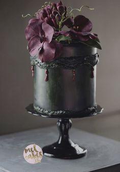 Wedding Cakes with Rare Details by Melcakes - MODwedding