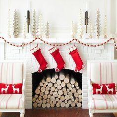 Schone Weihnachten Wohnzimmer Weihnachtsbaum Bunt Lichter Geschenke 600x600 Pixels
