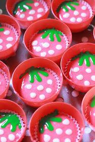 Gallery MamaMimi: Rahsia Apam Polkadot Gebusss...... Asian Desserts, Asian Recipes, Steamed Cake, Steamed Buns, Kawaii Dessert, Edible Food, Snack Box, Rice Cakes, Fancy Cakes