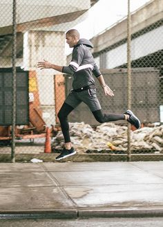 Jumping out the gym in some Viva Black. Running Wear, Running Fashion, Sport Fashion, Fitness Fashion, Mens Fashion, Mens Athletic Fashion, Running Style, Nba Fashion, Fitness Outfits