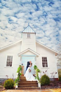 image by snap happy photography a memphis wedding photographer possible venue oak grove chapel