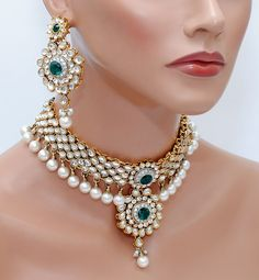 Beautiful green and white choker kundan set [Regular Price:                                    $76.99                                                                    Now only:                                    $50.04]