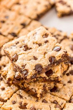 Skip the scooping and multiple batches and make Chocolate Chip Pan Cookies instead! They are tender, chewy, easy and perfect for a crowd! Cookie Recipes From Scratch, Best Sugar Cookie Recipe, Favorite Cookie Recipe, Best Sugar Cookies, Delicious Cookie Recipes, Easy Cookie Recipes, Yummy Cookies, Bar Cookies, Bar Recipes