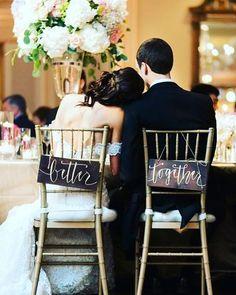 Uma pitadinha de romance para começar bem a semana. ❤ Sem esquecer de destacar a linda caligrafia usada na placa de sinalização da cadeira dos noivos.  Registro inspirador de @nicberrettphoto. {via @tulleandchantilly website} #romance #amor #apaixonados #caligrafia #sinalizacaodecasamento #fotografiadecasamento #noivaenoivo #inspiracao #melhorjuntos #identidadevisual #love #inlove #calligraphy #weddingsign #weddingphotography #brideandgroom #inspiration #bettertogether #visualidentity #a...