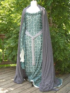 mirkwood cloak and gown