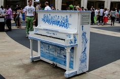 "New York City 2014 - Street piano - ""Play me"""