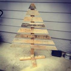 pallet christmas tree on a stand- Bing Images