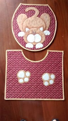 Jogo de banheiro Cat Crafts, Diy And Crafts, Sewing Hacks, Sewing Projects, Cat Template, Cat Applique, Bathroom Crafts, Childrens Aprons, Toilet Accessories