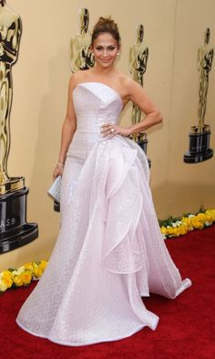Jennifer Lopez Looks Like A Princess In This Dress By Armani Privé At The Oscars, 2010