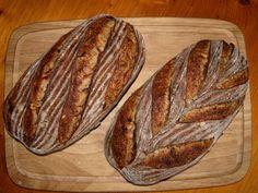 www.der-Sauerteig.de :: Thema anzeigen - Semolina-Brot mit Brühstück und Saaten/Malzflocken - WST