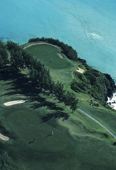 ✭ Aerial of a golf course in Bermuda