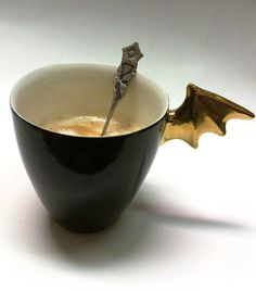 Kultalepakko | Golden Bat | muki | mug | 2,5 dl