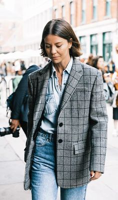Classic, stylish and versatile, a checked blazer is a must-have in my wardrobe. Shop some of my favourite styles below! Blazer: L'Acadamie via Revolve Casual Chic Outfits, Denim Outfits, Blazer Outfits, Fall Outfits, Fashion Outfits, Blazer Fashion, Denim Fashion, Nyc Fashion, Star Fashion
