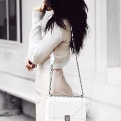thanks for the Dior obsession Daily Fashion, Spring Fashion, Fashion Beauty, Womens Fashion, Dior Diorama Bag, Skirt Mini, Nude Skirt, Moda Chic, Dior Addict