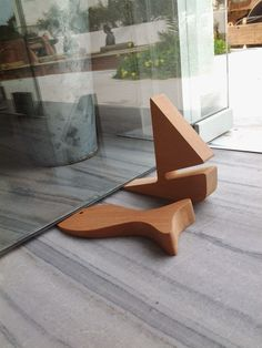 Poisson ou Bateau .Door stop , greek design !