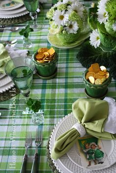 St. Patrick's Tablescape - love the pot of gold chocolate coins!
