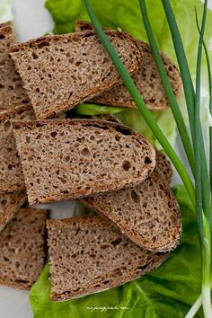Wholemeal bread Polish Recipes, Polish Food, Home Bakery, Pain, Nom Nom, Recipies, Food And Drink, Tasty, Breads