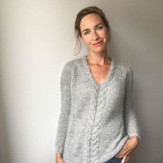 517 Likes, 63 Kommentare – Bénédicte (Bénédicte Sevin) on Ins … Sweater Knitting Patterns, Easy Knitting, Knit Patterns, Pull Mohair, Knit Fashion, Crochet Clothes, Knit Crochet, Couture, Sweaters