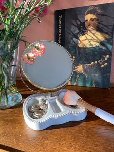 Vintage make-up mirror with a beautiful tray for make-up und jewelery Vintage Shops, Jewelery, Tray, Make Up, Mirror, Create, Beautiful, Jewlery, Jewels