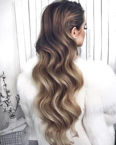 Hey Sweetie Visit our Website and enjoy with our Beauty Quizzes ! My Hairstyle, Curled Hairstyles, Vintage Hairstyles, Wedding Hairstyles, Cool Hairstyles, Bad Hair, Hair Day, Hair Inspo, Hair Inspiration
