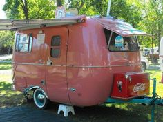 Three easy steps is all it requires to construct your customized camper. The Happier Camper is not the same sort of pull-behind. Vintage campers are a. Kombi Trailer, Pink Trailer, Little Trailer, Little Campers, Scamp Trailer, Small Campers, Old Campers, Small Rv, Happy Campers