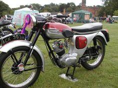 triumph tiger cub - Google Search Triumph Motorbikes, Triumph Bonneville, Triumph Motorcycles, Classic Motors, Classic Bikes, Classic Motorcycle, British Motorcycles, Vintage Motorcycles, Triumph Street Triple