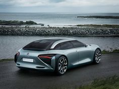 Citroën replaced the sideview mirrors with cameras that feed video to small screens on the inner door panels to show the car's surroundings.