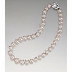Pearl necklace diamond clasp