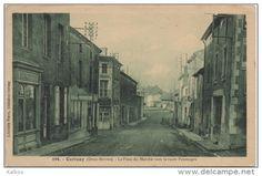 CPA ( Cerisay - La Place du Marché vers la Route Pouzauges )