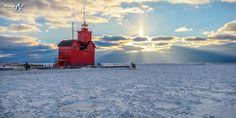 Winter sunrays at Holland Harbor Lighthouse