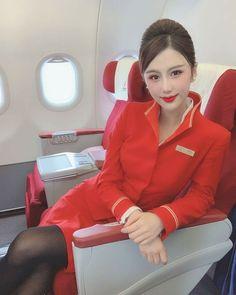 t m Pretty Asian, Beautiful Asian Girls, Flight Attendant Hot, Flight Girls, Korean Short Hair, Airline Uniforms, Fashion Photography Inspiration, In Pantyhose, Nylons