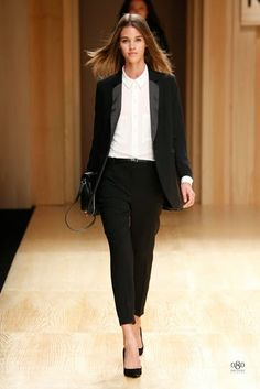 MANGO officially opened the fourteenth edition of 080 Barcelona fashion show, where was presented Fall / Winter 2014 2014 collection. I Love Fashion, Work Fashion, Fashion Show, Fashion Looks, Womens Fashion, Fashion Moda, Toni Garrn, Moda Barcelona, Barcelona Fashion