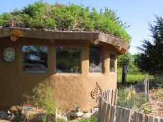 Builder uses permaculture principles for a ecologically sustainable homestead.
