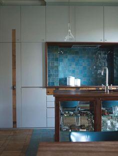 Emery & cie -Zelliges 10 x 10, N°14 Bleu gris clair, Extérieur N°13 Bleu gris moyen